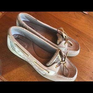 Sperry Shoes Ladies Sz 9